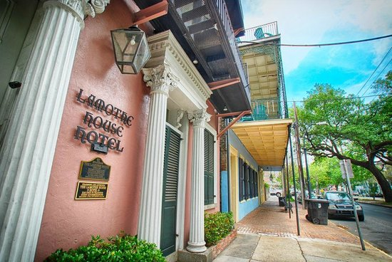 Lamothe House Hotel: The Lamothe House Entrance