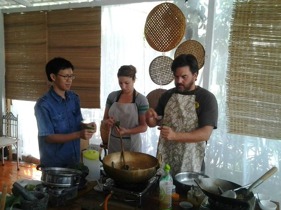 Small House Chiangmai Thai Cooking School