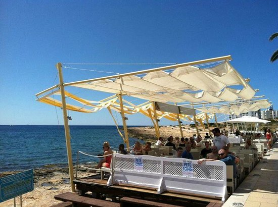 Cafe Mambo : View of seating!