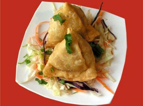 Family Indian Restaurant: CHICKEN SAMOSA