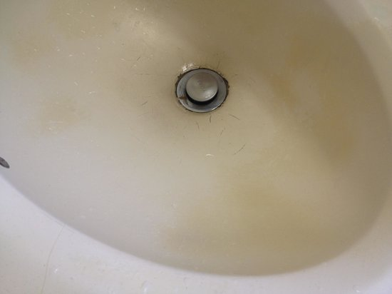 Days Inn Costa Mesa/Newport Beach: Dirty sink