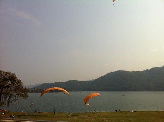 Waterfront Resort Hotel: Para-gliding view
