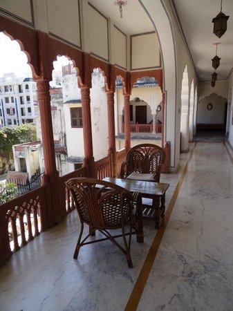 Nana Ki Haveli: couloir extérieur