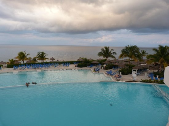 Grand Palladium Jamaica Resort & Spa: Vista desde uno de los bares
