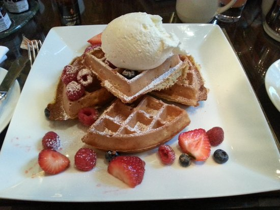 The Garden at The Four Seasons : The Belgian waffle with fresh fruit.