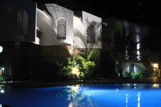 Severin Sea Lodge: Nacht am Pool