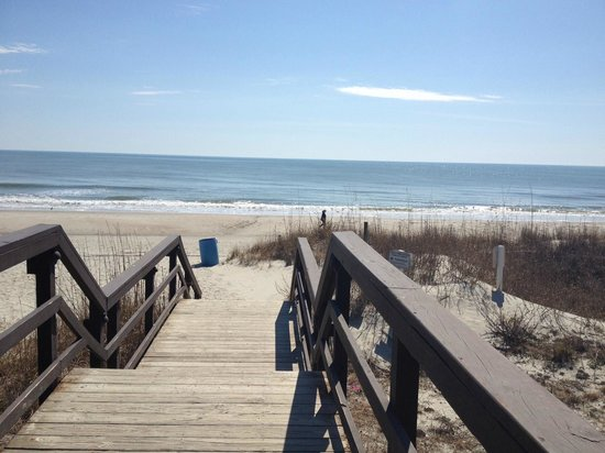 Myrtle Beach Resort: Walkway to the beach