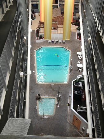 Myrtle Beach Resort: Indoor pool and hot tub in Building B