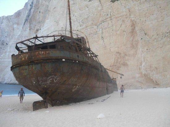 Levante Speedboat Excursions: Shipwreck Island