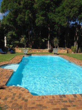 The Tarragon: Pool area