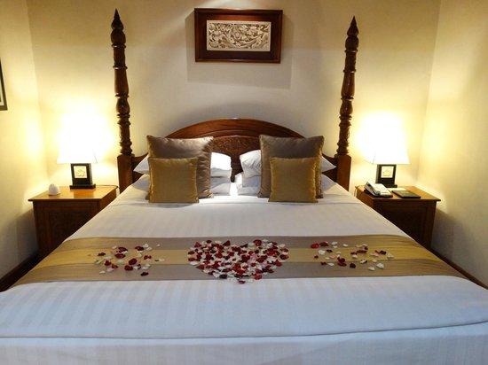 Karma Royal Jimbaran : Decoration in the Bedroom