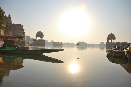 Gadsisar Sagar Lake : Jaisalmer - Lac Gadi Sagar