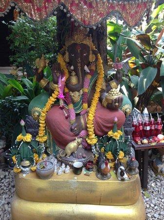 Yantarasiri Resort: Ganesha