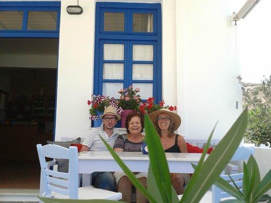 Avra Pension: Noi con Katarina