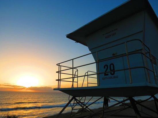 Hilton Garden Inn Carlsbad Beach: Sunset view across the street.