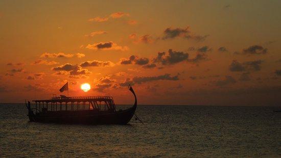 VOI Maayafushi Resort: Sonnenuntergang