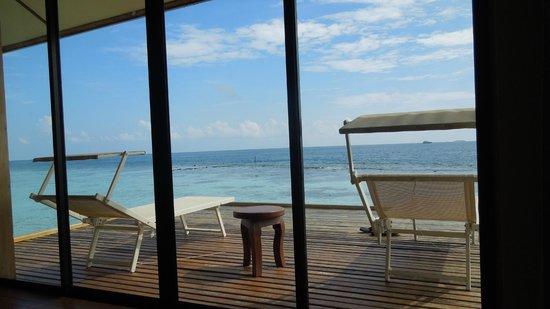 VOI Maayafushi Resort: Aussicht Wasserbungalow