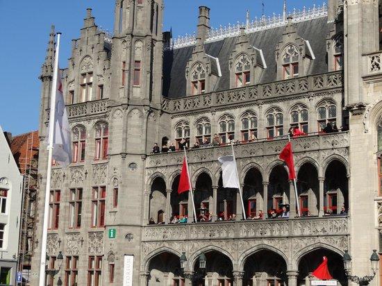 Hôtel de ville : Il Municipio di Bruges.