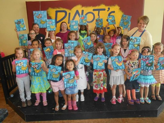 Pinot's Palette: Fun place for kids and parents!