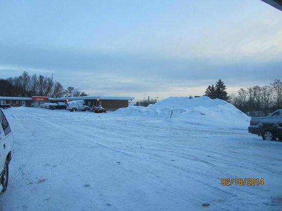 Budget Host Crestview Inn: cold
