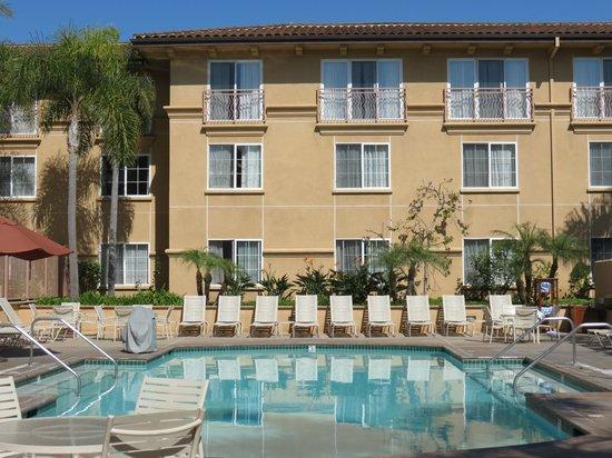 Hilton Garden Inn Carlsbad Beach: Hotel pool