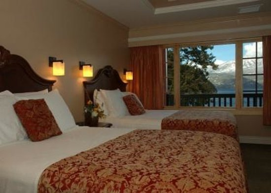 Kaslo Hotel: Gorgeous lake view room