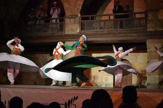 Al-Tannoura Egyptian Heritage Dance Troupe : A perfect preformer