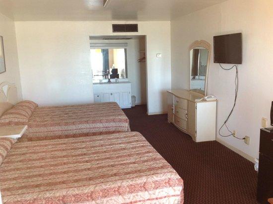 Sea Shell Inn Motel: Room