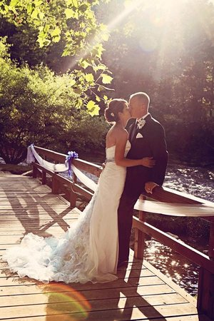 Greenville, WV: Creekside Resort Wedding Island Bridge