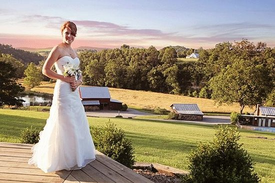Greenville, WV: Bride at Creekside Resort with view from Mountain Lodge