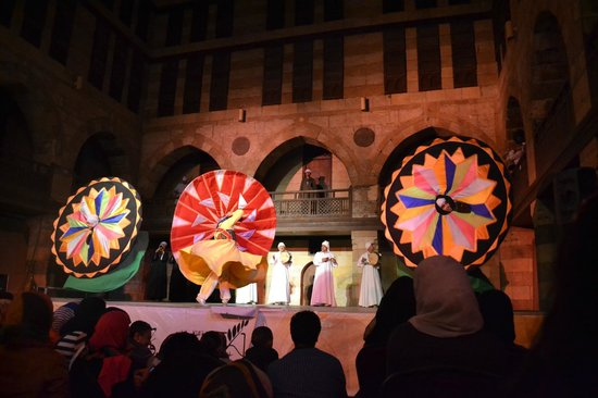 Al-Tannoura Egyptian Heritage Dance Troupe : 3 on the same time
