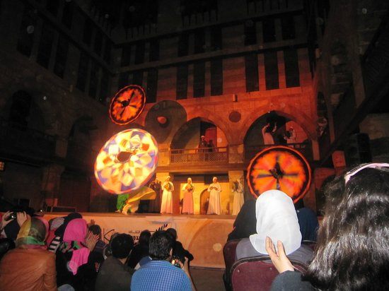 Al-Tannoura Egyptian Heritage Dance Troupe : The end