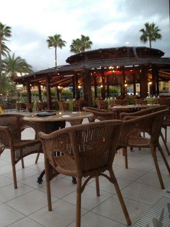 La Siesta Hotel: Outside BBQ area