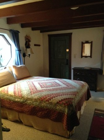 Old Taos Guesthouse B&B : Single room with queen we choose