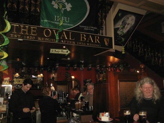 The Oval Bar: Bar profile