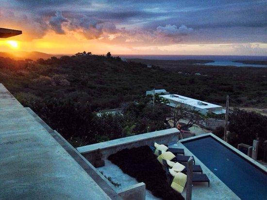 Casa Cascadas: Sunrise from the upper loggia