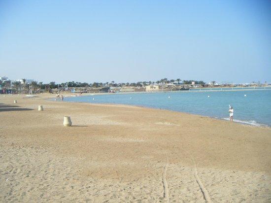 Jaz Aquamarine Resort: Beach