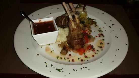 VIK Suite Hotel Risco del Gato: Plato de carne / Meat dish