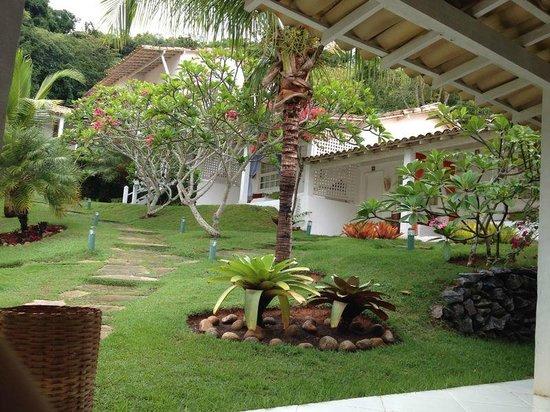 Pousada Bucaneiro: habitaciones por fuera de la pousada