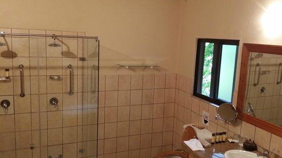MalaMala Sable Camp : bathroom
