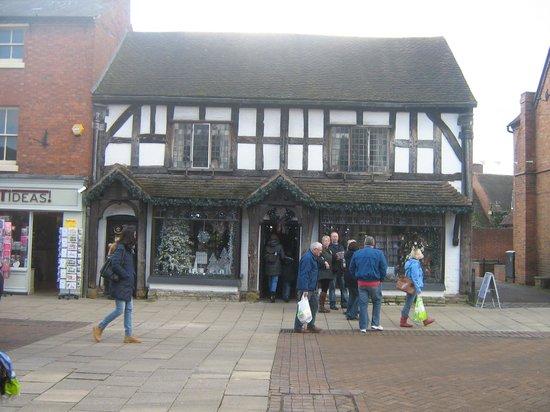 Macdonald Alveston Manor Hotel: Ye Olde Christmas Shoppe