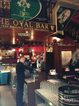 The Oval Bar: The lady herself