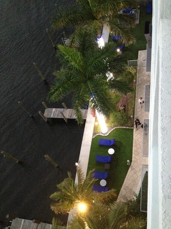 Residence Inn Fort Lauderdale Intracoastal/Il Lugano: back of hotel from our room