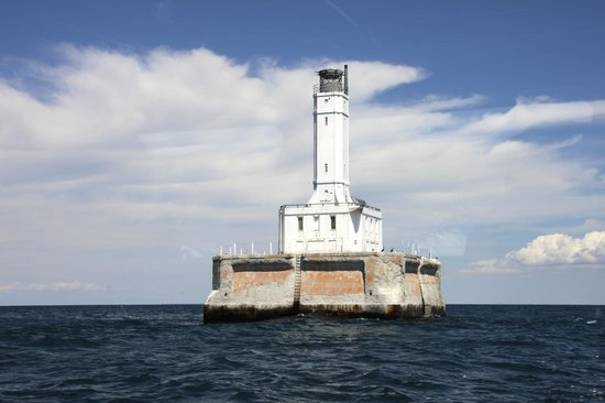 Shepler's Lighthouse Cruises : One of the many beautiful lighthouses you'll learn about.