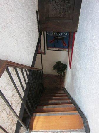 La Casa Azul: Escalera de Primer a Segundo piso