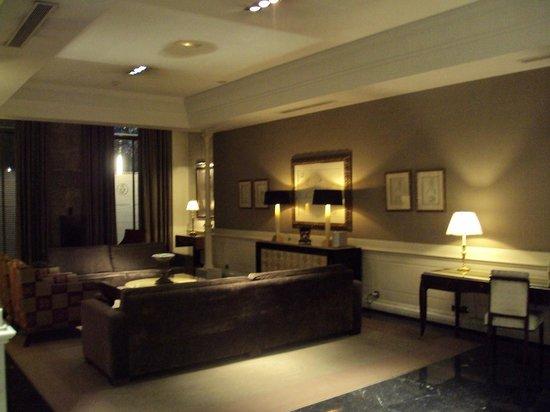 Melia Recoletos Hotel: Hall