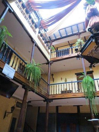 Hotel Los Balcones: Inside