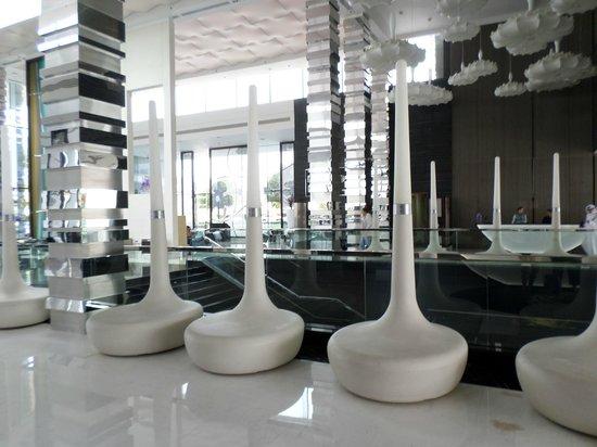 Fairmont Bab Al Bahr : Seats in the lobby