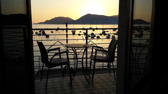 Hotel Shelley Delle Palme: Tramonto sul mare visto dalla camera