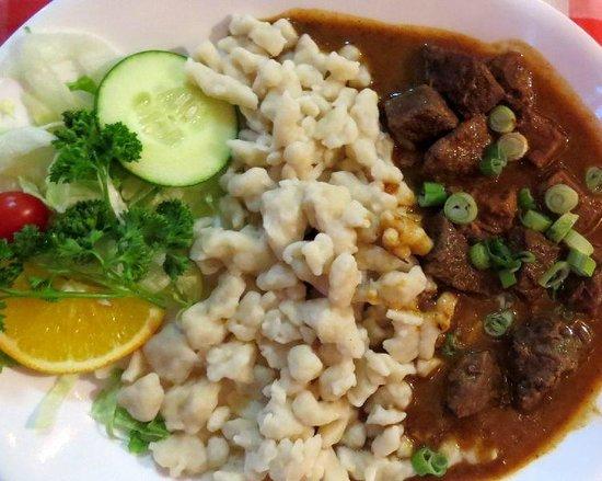 European Cafe & Schnitzel House: Hungarian Goulash with spaetzels